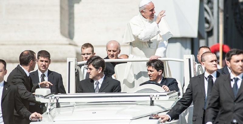 Visita del Papa : divieti e controlli. Attenti agli zaini.