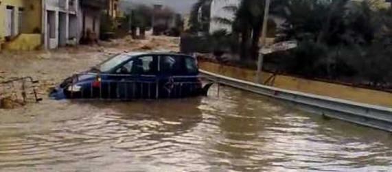 """La brigata """"Aosta"""" interviene a favore delle popolazioni colpite dall'alluvione in provincia di Catania"""