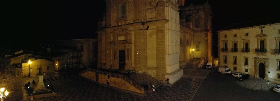 Piazza Armerina – Piazza Cattedrale : L'ex consigliere Fioriglio scrive a Galati