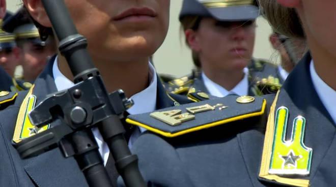 Guardia di Finanza: concorso, per titoli ed esami, per il reclutamento di 10 tenenti