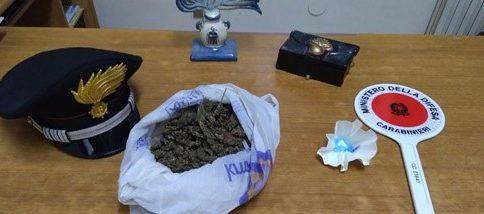 I carabinieri arrestano un giovane pregiudicato piazzese con l'accusa di spaccio di sostanze stupefacenti