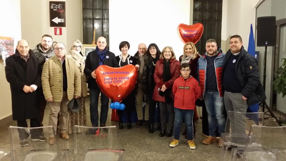 Confartigianato Enna dona il cuore alla città: installato defibrillatore alla galleria civica