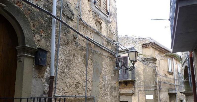 Troina – Nuove disposizioni per il decoro urbano del centro storico