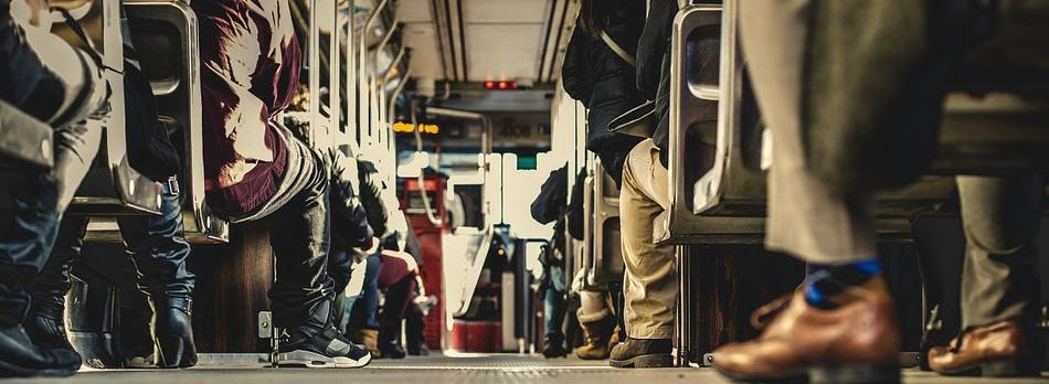 La Polizia di Stato blocca la partenza di un bus di linea per viaggio di istruzione