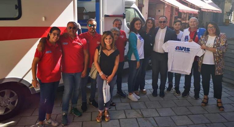 Avis Enna: i diciottenni dell'associazione 360 al centro trasfusionale per la prima donazione