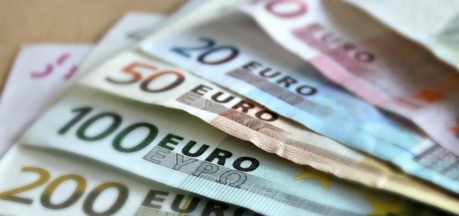 Enna, GDF: sull'illecito guadagno vanno pagate le tasse. Denunciato un ex promotore finanziario