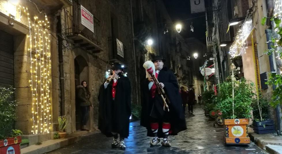 """L'asssessore Messina : """"Sarà un Natale ricco di eventi grazie anche ai commercianti del centro storico"""""""