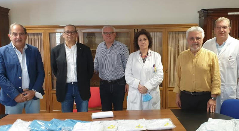 Il Kiwanis di Enna ha donato tute protettive all'Ospedale Umberto I di Enna.