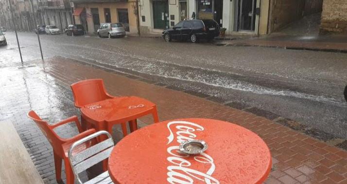 Bomba d'acqua a Piazza Armerina ma nessun danno