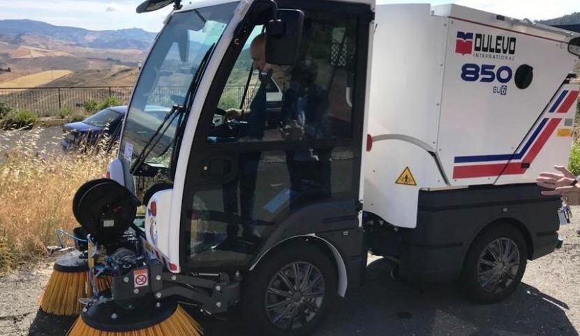 Troina – Acquistate due nuove spazzatrici meccaniche per il servizio di igiene urbana