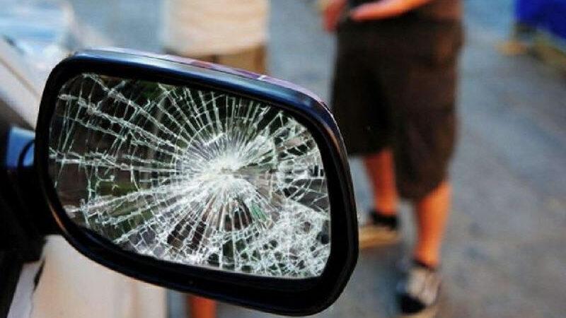 Arrestato presunto autore della truffa dello specchietto rotto. Aveva agito anche a Piazza Armerina