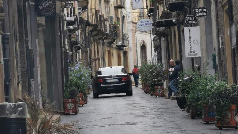 Piazza Armerina – La Via Garibaldi è zona a traffico limitato controllata con telecamere e fototrappole.