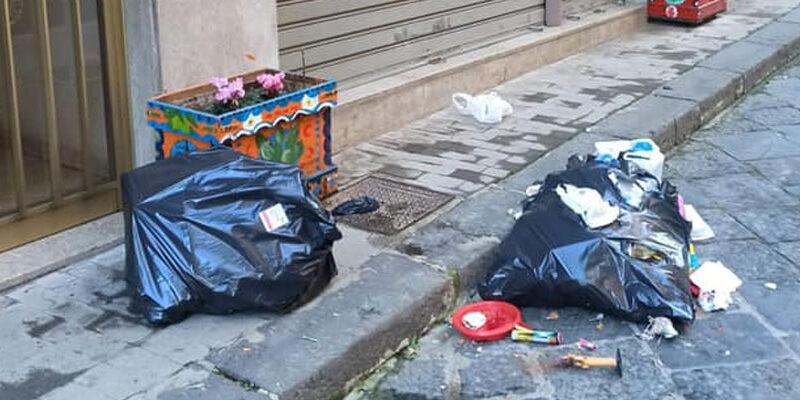 Piazza Armerina – In una pagina Facebook le foto dei cittadini che sporcano la città