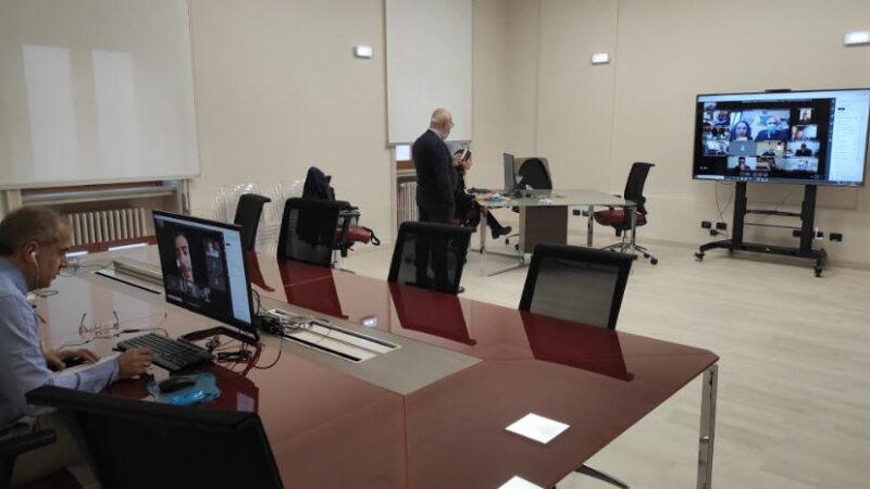 Rientro a scuola per le superiori: dati in tempo reale nella nuova sala di protezione civile della Prefettura