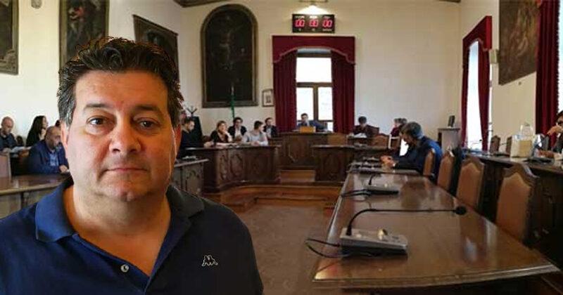 """Piazza Armerina – Le reazioni allo scontro in aula: """"Il consigliere Amore chieda pubblicamente scusa"""""""