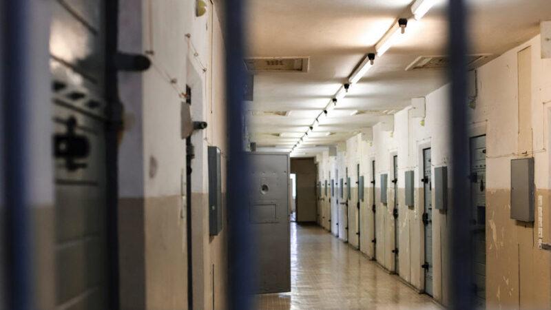 Piazza Armerina – Tenta il suicidio in carcere. Salvato dall'intervento degli agenti penitenziari