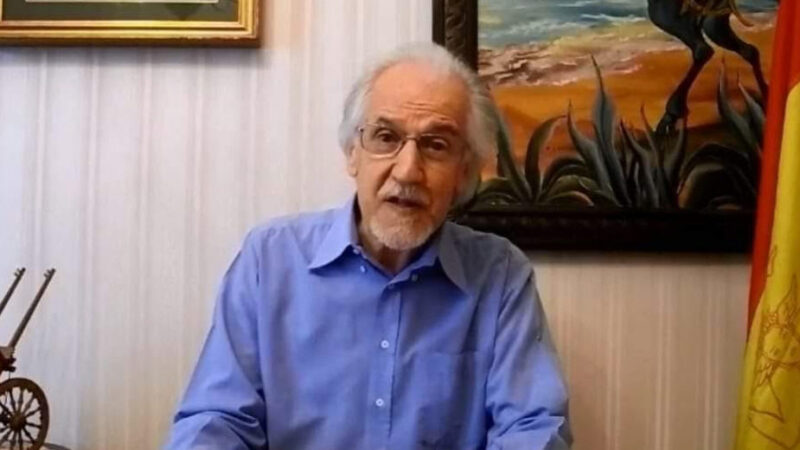 Agira – Il dott. Filippo Maria Provitina dona alla città testi antichi, oggetti, libri su Agira e sulla storia della Sicilia