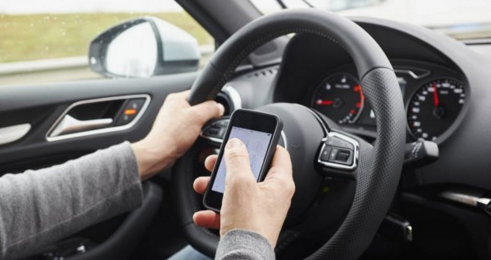 Polizia di Stato – Campagna contro l'utilizzo dei cellulari in auto dal 16 al 22 settembre. Controlli mirati in tutta Italia