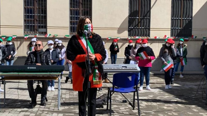 Il sindaco di Valguarnera Francesca Draià augura Buon anno scolastico agli studenti